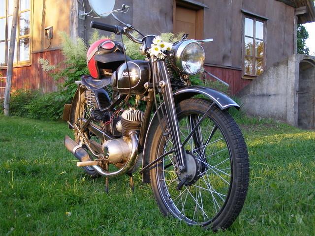 http://pic2.fotki.lv/photos2/7/W0002741/000274080/000027407983_%23_2_%23_motociklistins.jpg