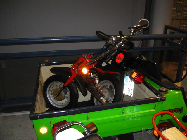 Моторный музей в Риге (много фото)